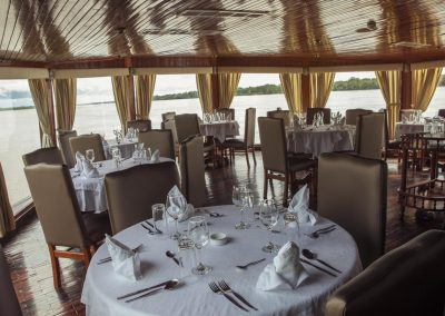 dining amazon riverboat