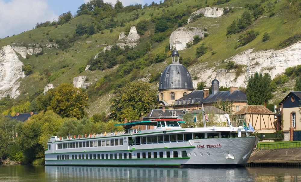 Riverboat on the Seine