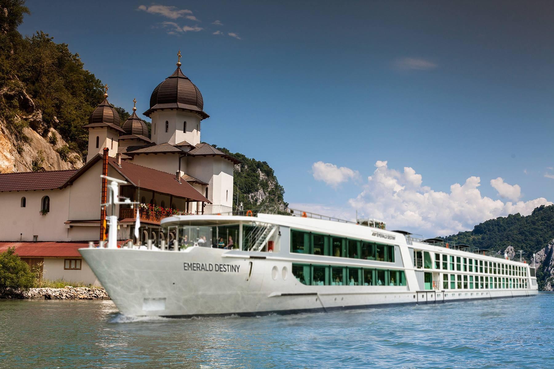 Emerald Destiny river cruise ship