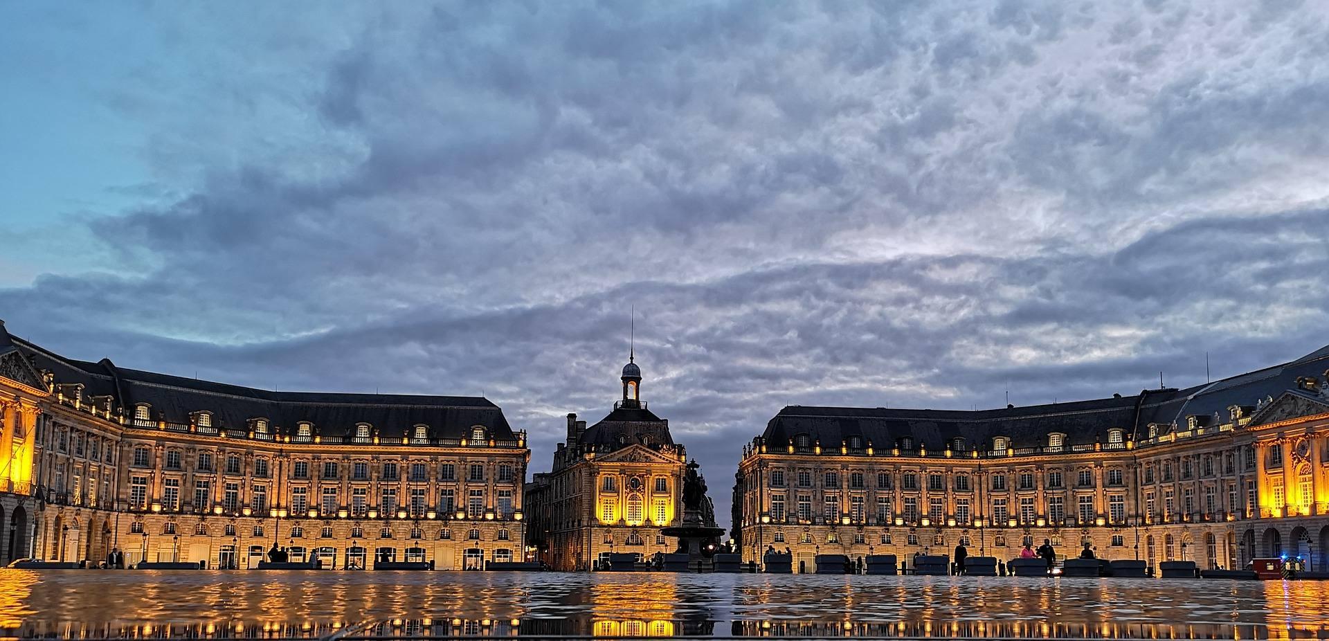 buildings of bordeaux france